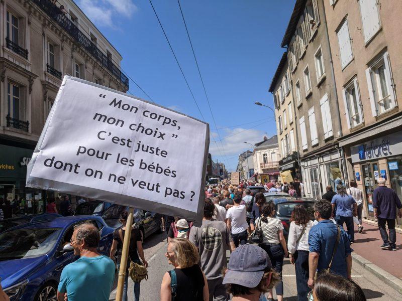 Manifestations partout en France contre la dictature sanitaire