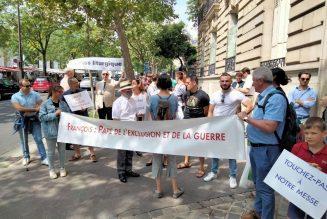 Manifestation devant la nonciature pour la paix liturgique