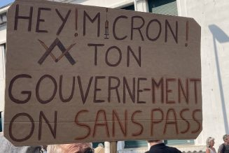 Images des mobilisations contre le passeport sanitaire