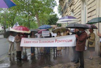 Quatrième manifestation pacifique devant la nonciature apostolique en France