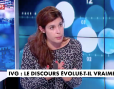 En France, il est interdit de débattre de l'avortement. Sauf sur CNews.