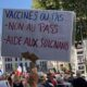 Des soignants protestent contre l'entrée en vigueur de la vaccination obligatoire