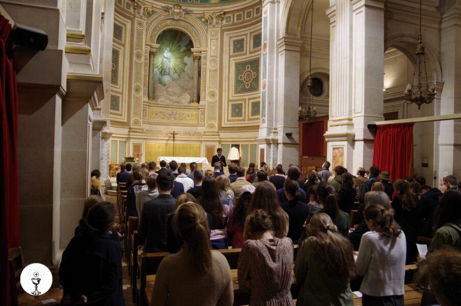 Encore beaucoup de monde pour demander le retour de la messe à St François-Xavier