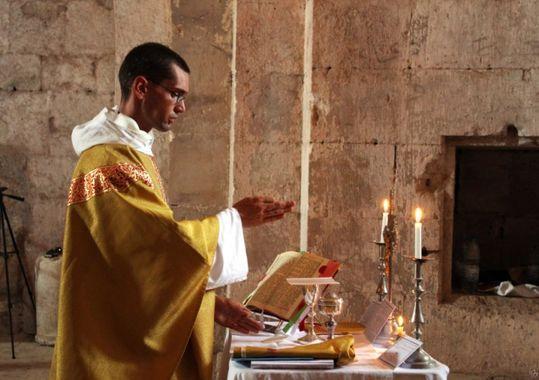 """""""Il est conforme au sens catholique de prier pour l'abrogation deTraditionis custodes"""""""