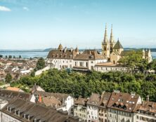 Suisse : le canton de Neuchâtel ne reconnaîtra pas d'autres communautés religieuses que chrétiennes