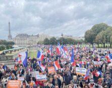 Manifestations contre le pass sanitaire pour le douzième samedi consécutif, à Paris et dans de nombreuses villes de France