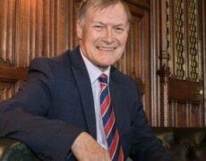 Un député britannique poignardé à mort dans une église